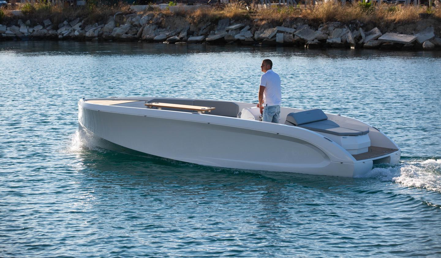 The Mana 23 is capable of displacement cruising at up to 15 knots