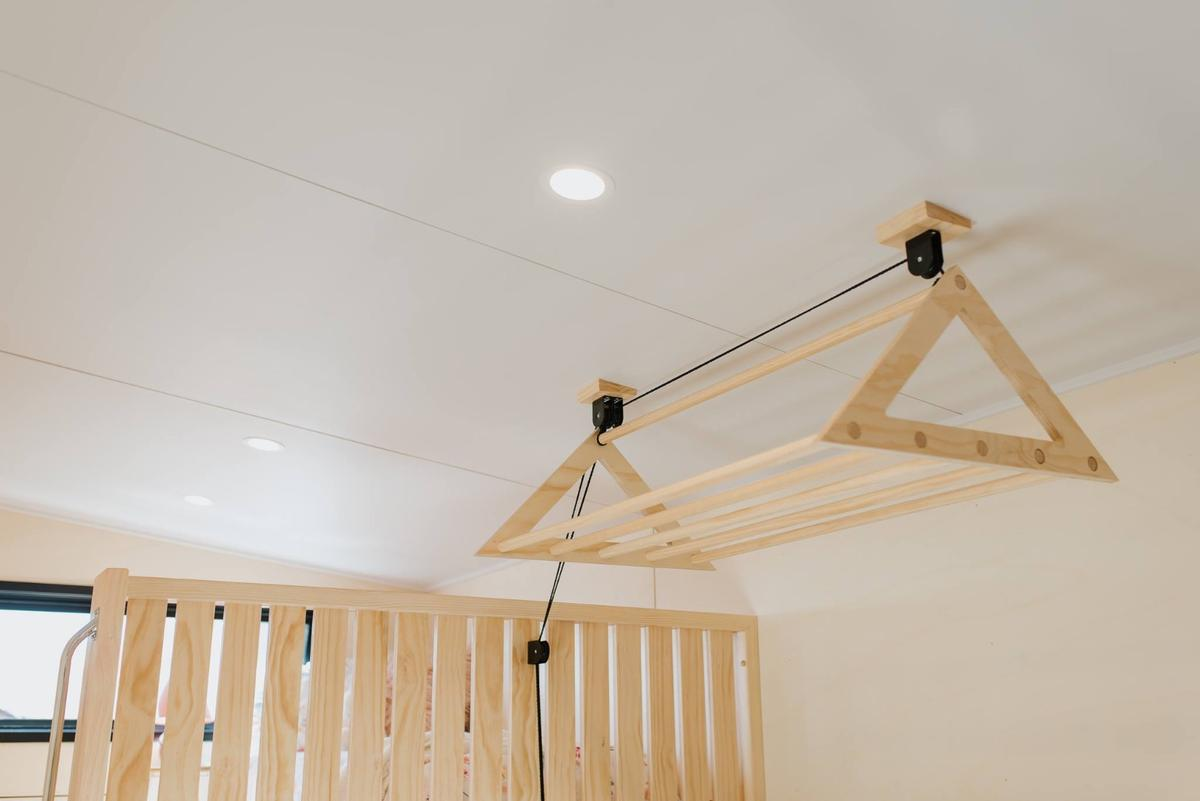 La Sombra Tiny House includesa neat littleclothes airer on a pulley system