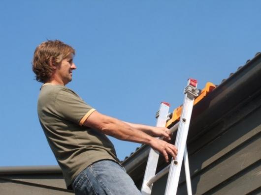 Laddersmart safety devce