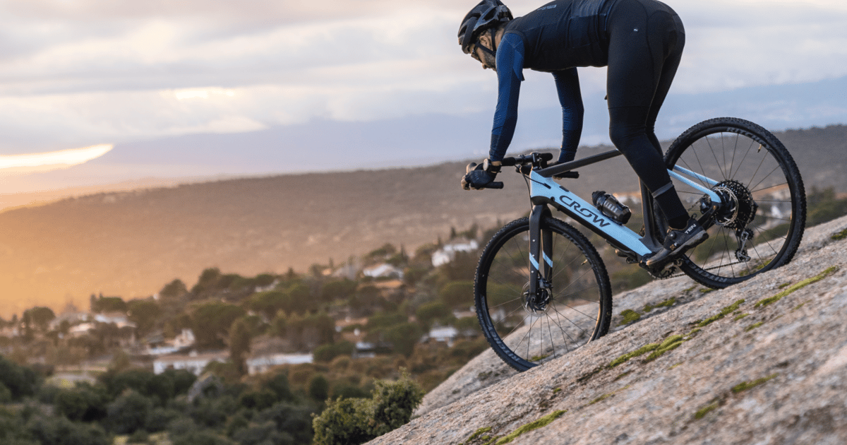 Dual-mode Crow eGravel ebike features a detachable motor and battery