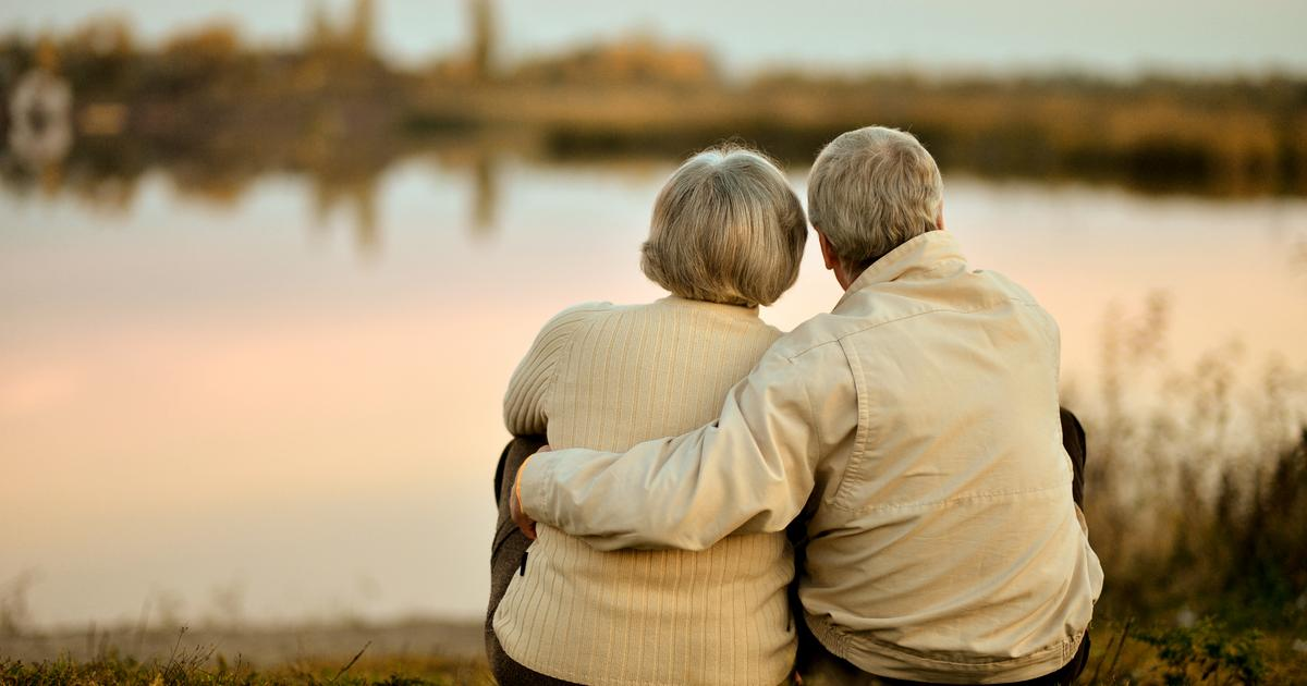 Women develop Alzheimer's more than men due to hormones, suggests study