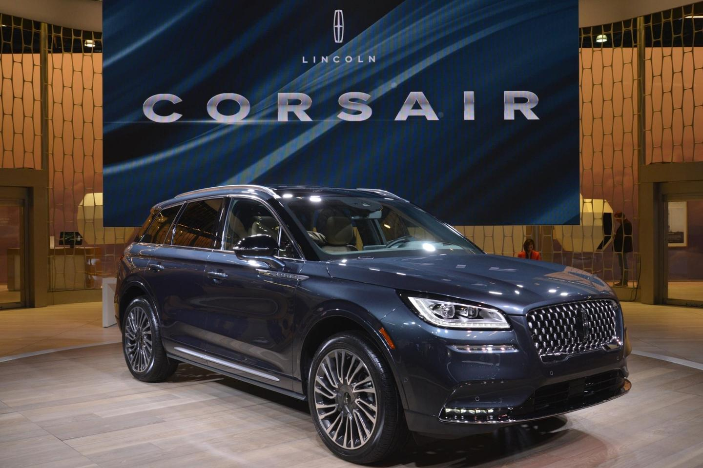 Lincoln introduces the baby of its SUVfamily, the Corsair