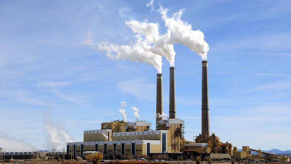 A new material called NOTT-300 could help reduce emissions from coal-fired power plants, such as this one in central Utah (Image: Shutterstock)