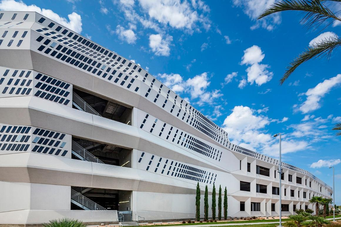 Water ripples and dancing snowflakes are among theDazzleanimations that will appear on the facade of San Diego International Airport's newRental Car Center