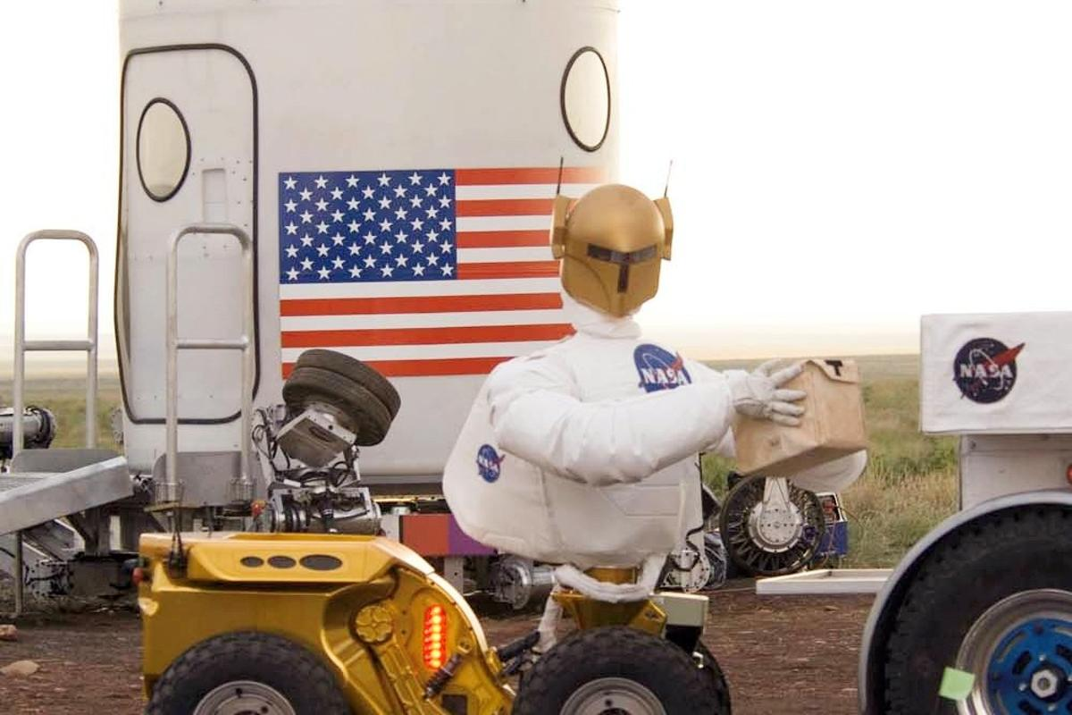 Ford is studying space robots like NASA's Robonaut 2 in its efforts to develop safer connected cars (Image: NASA)