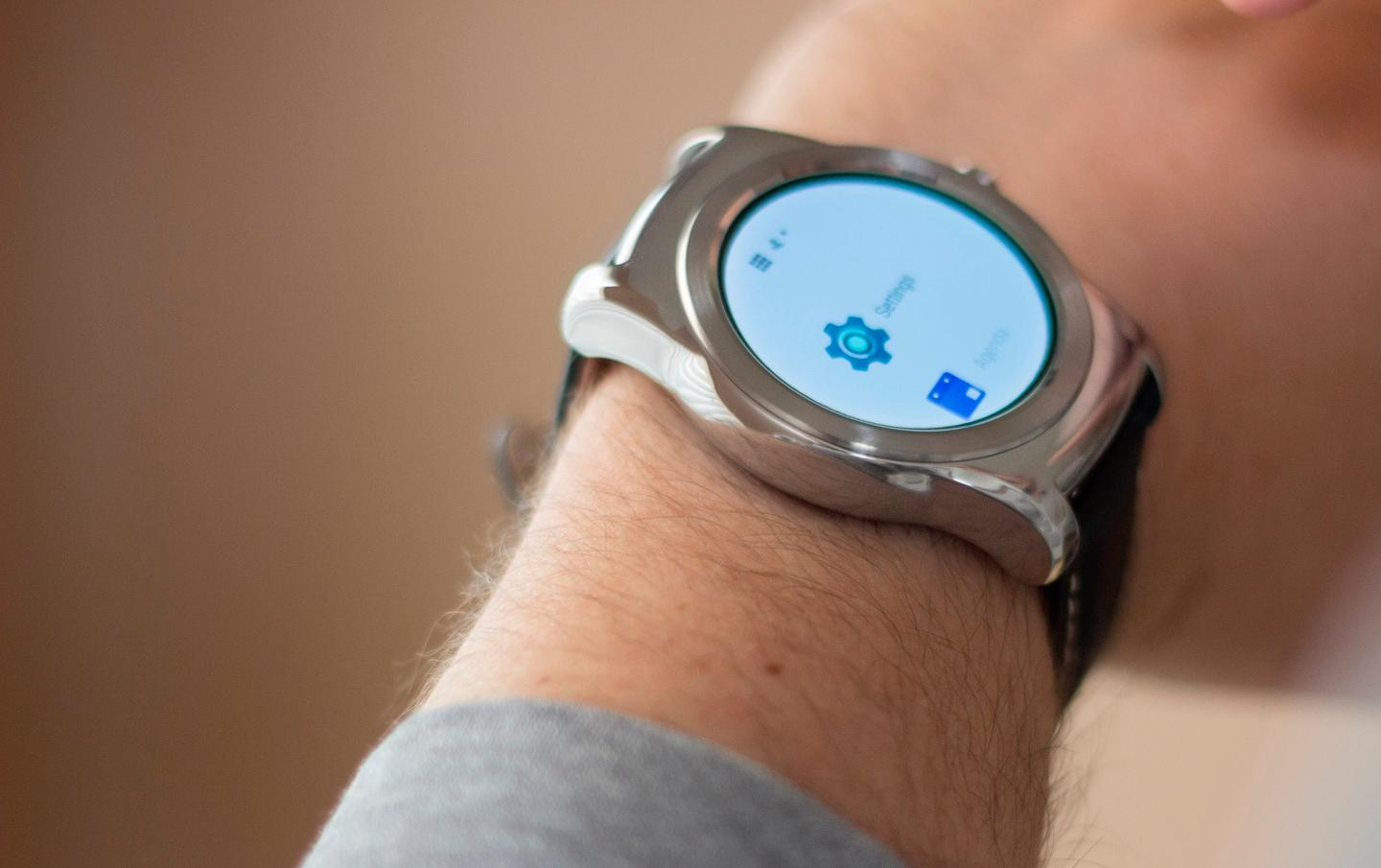 The new easy access apps list on the LG Watch Urbane (Photo: Will Shanklin/Gizmag.com)