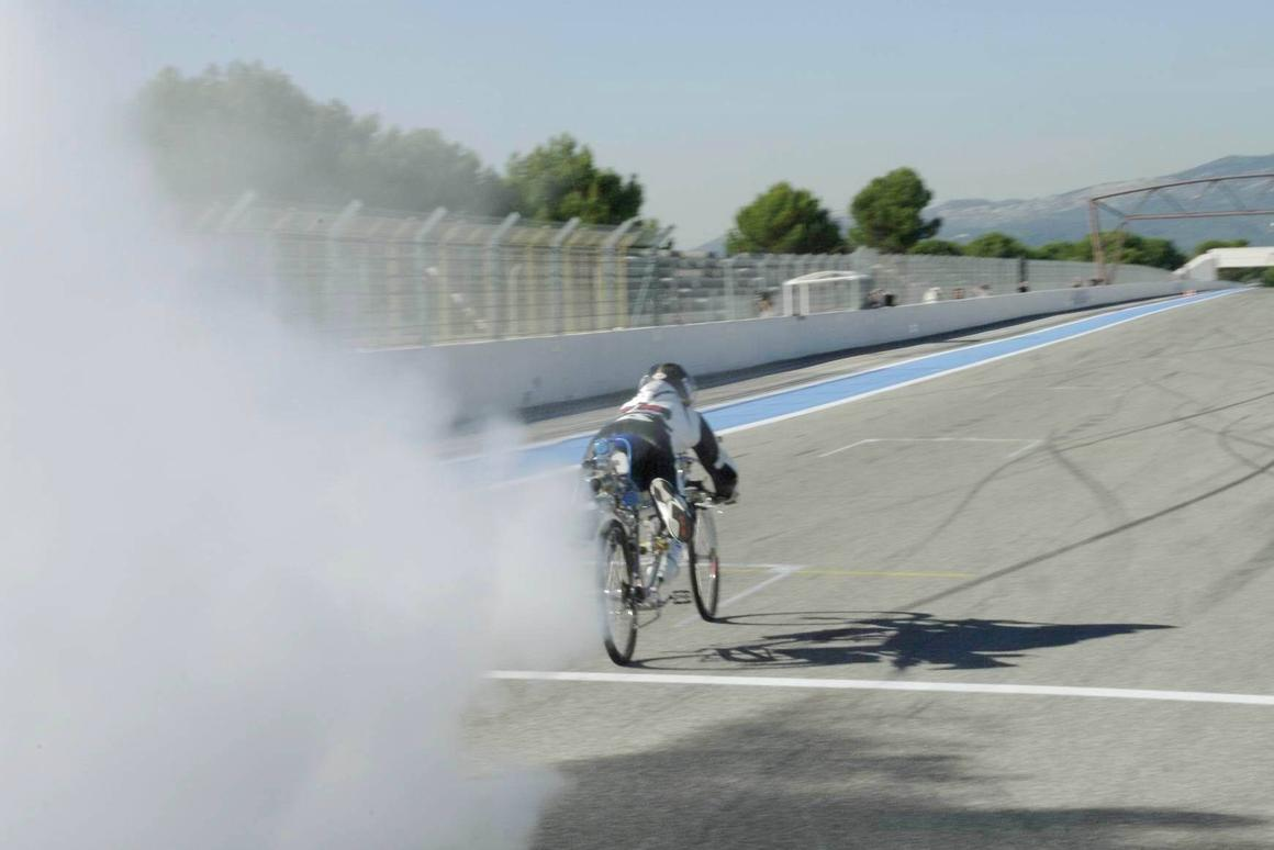 Francois Gissy's rocket bicycle that took him to 333 km/h (207 mph) (Photo: Gerard Toutin / Exotic Thermo Engineering)