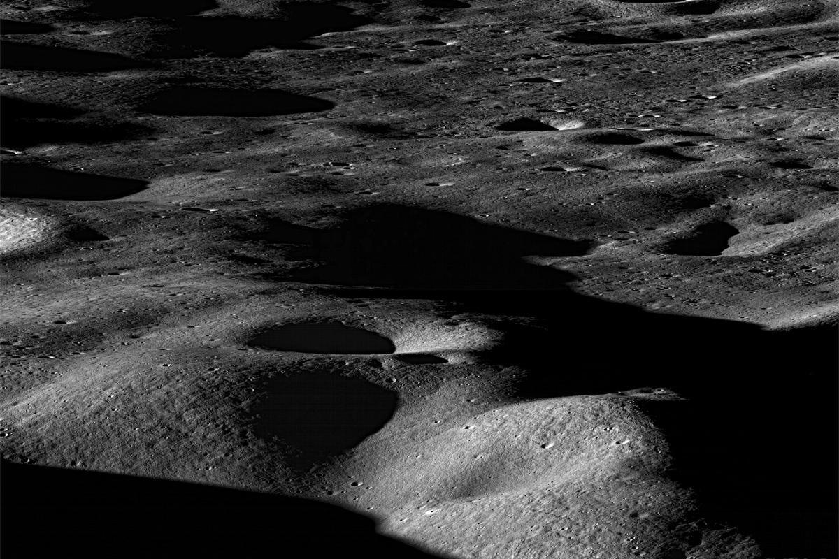 View northeast across the north rim of Cabeus crater (Image: NASA/GSFC/Arizona State University)