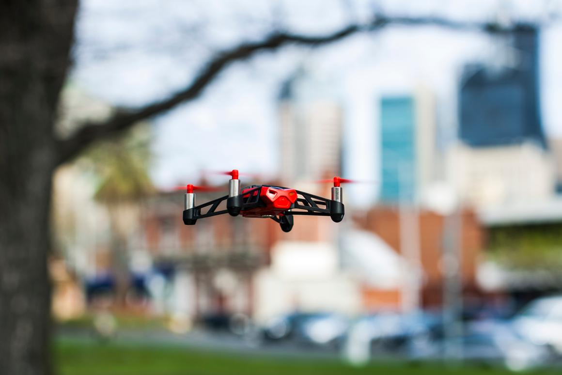 We preferred to liberate the 55 g (1.95 oz) plastic body of its oversized wheels and let it roam the skies uninhibited (Photo: Nick Lavars/Gizmag)