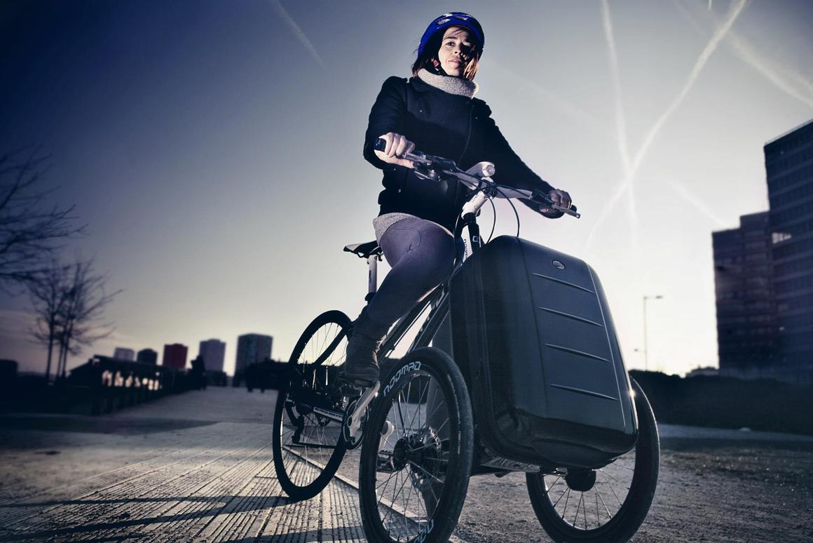 Noomad transforms bicycle into three-wheeled cargo bike