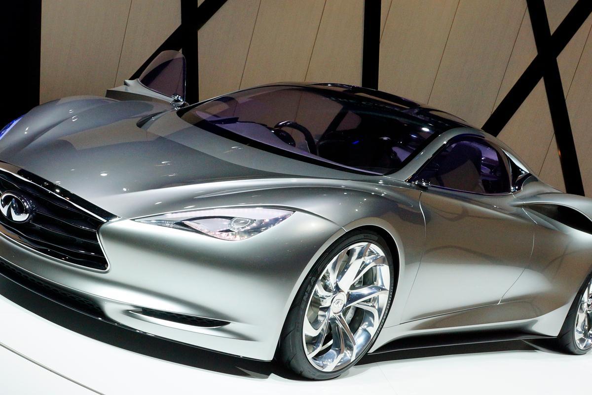 Infiniti's long awaited range-extended electric Emerg-E sports car has been shown in Geneva