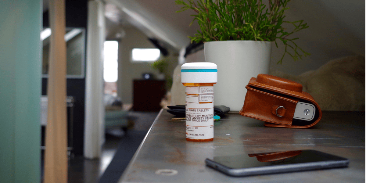 Pillsy uses a smart cap to track dosages