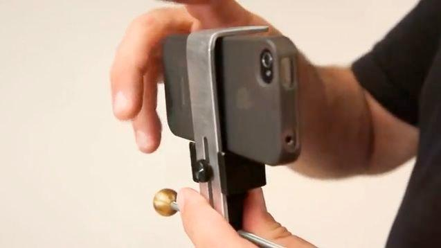 The Mojo's universal smartphone mount