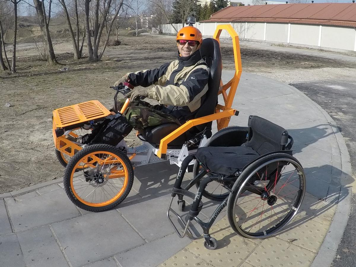 The EV4 Mountain Cart was developed with input from a disabled extreme athlete, and has beentested in snowy Polish mountainsand on jump tracks