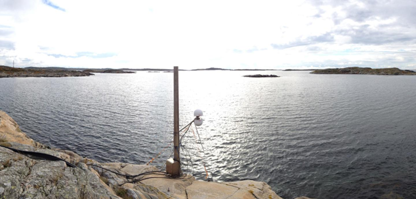 The new tide gauge measures sea level 20 times a second