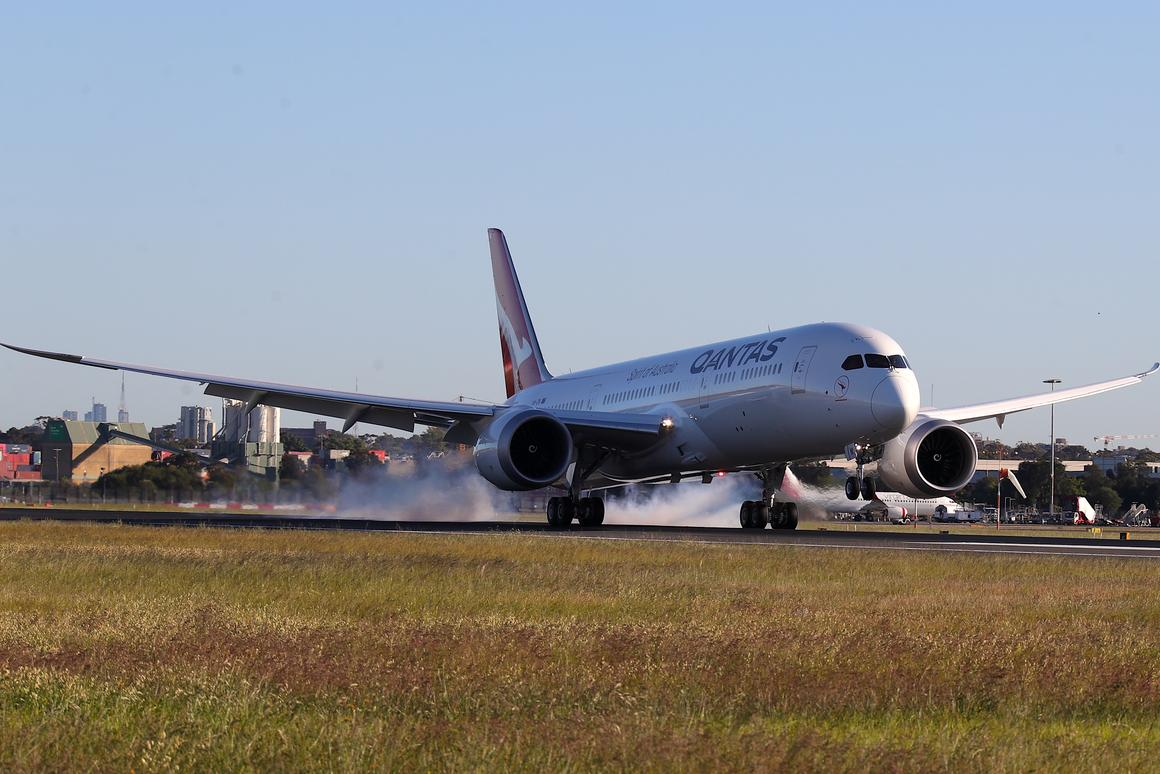 The Qantas Boeing 787 touches down in Sydney