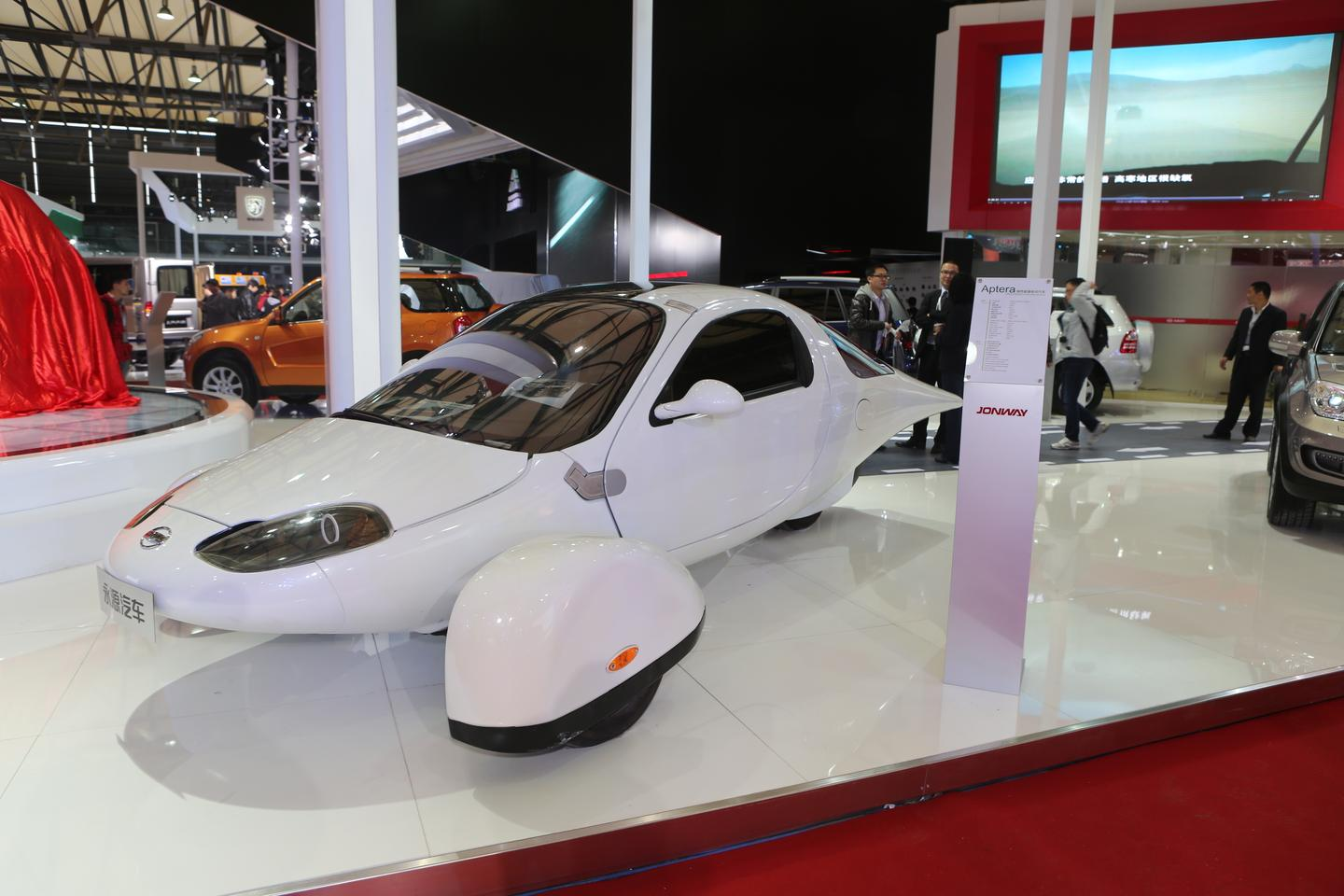 The Jonway Group's prototype version of the Aptera 2e, spied by Gizmag at Auto Shanghai 2013