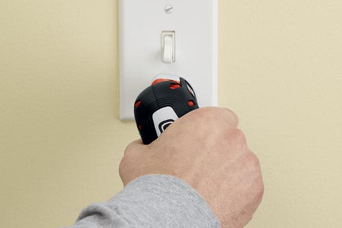 Black & Decker has announced the new Gyro 4V MAX Lithium-ion Rechargeable Screwdriver, which is activated and controlled with a twist of the wrist
