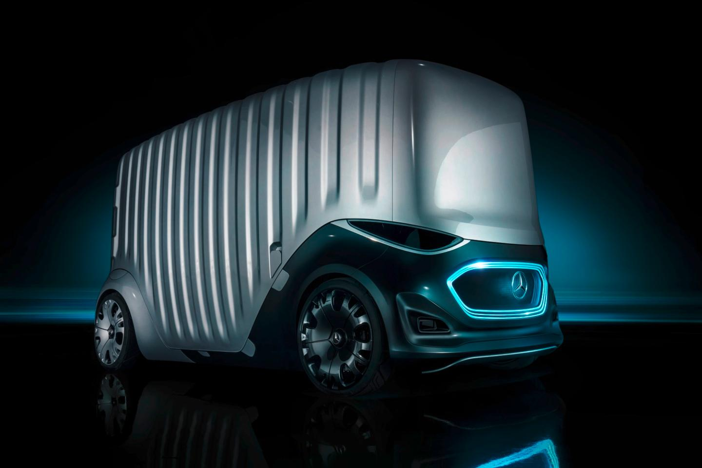 The Mercedes-Benz Vans Vision Urbanetic with the cargo module