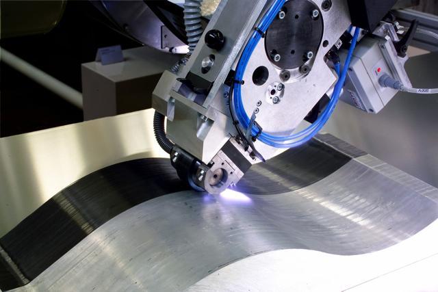 Fraunhofer's laser and fiber/resin tape-based carbon fiber production process