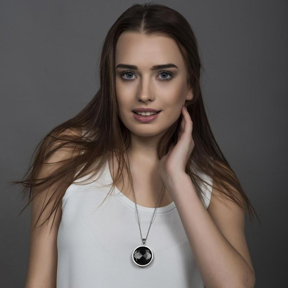A discreet piece of smart jewelry that alerts loved ones when a woman feels in danger has taken out the US$1 million XPrize for Women's Safety