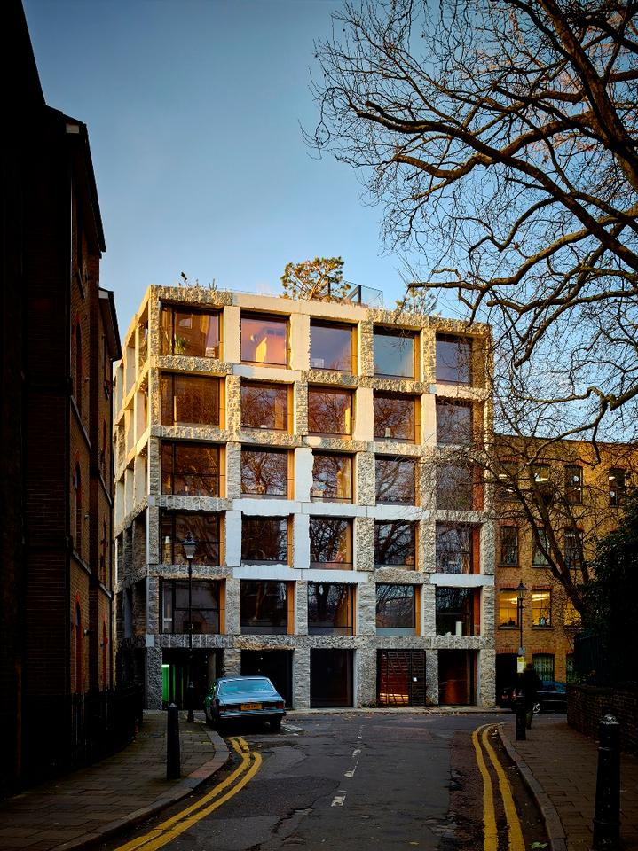 15 Clerkenwell Close, byGroupwork + Amin Taha Architects, is a housing project comprising one or two flats per floor,with the architect's own home on the top floor