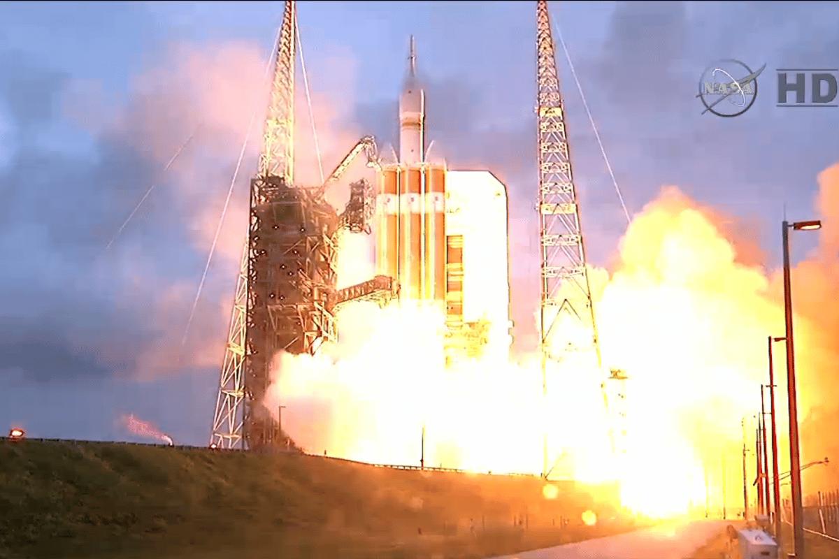 ignition of EFT-1 (Image: NASA)