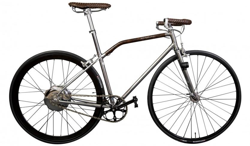 Built for Pininfarina by Italian bicycle manufacturer 43 Milano, the Fuoriserie's frame is made of chrome-plated, hand-welded Dedacciai Zero DR chromoly steel tubing