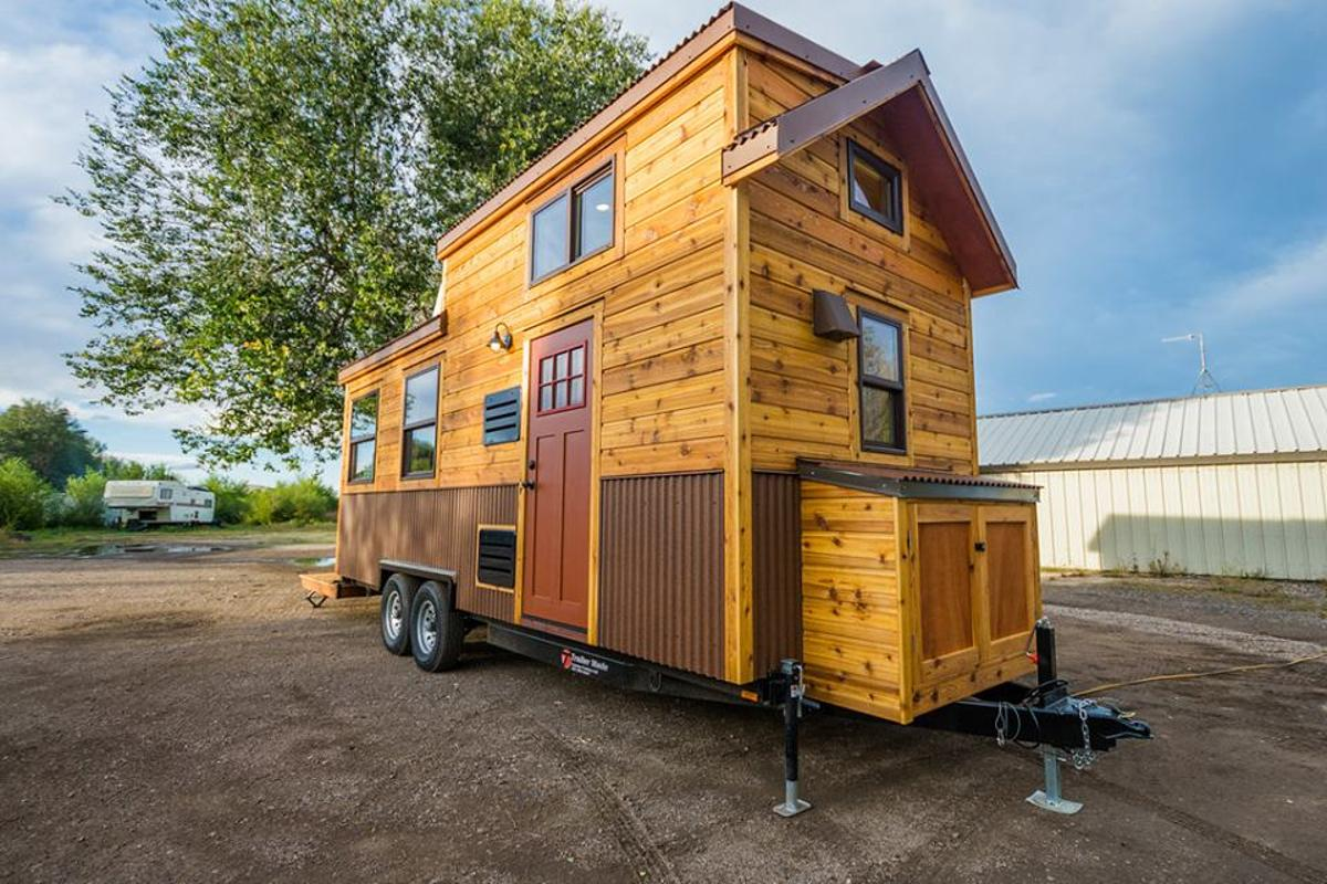 The small size of Davis's 22 ft Off-Grid Tiny Home reminds us of the compact tiny houses we see in Europe
