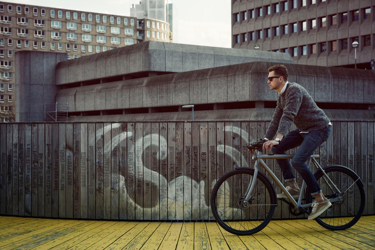 The VanMoof SmartBike will be available for preorder starting at the end of May
