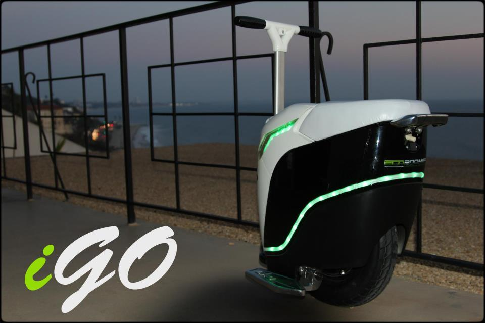 The iGo has strips of color-changing LEDs built into its body
