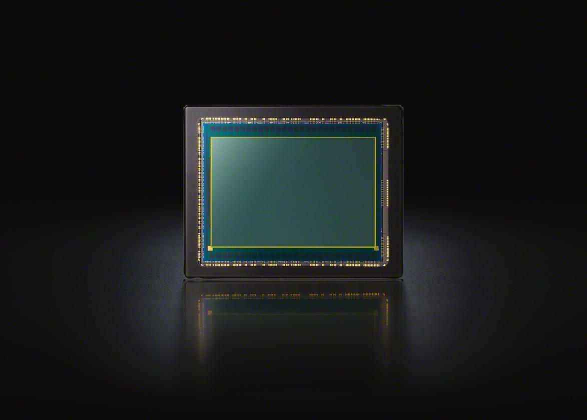 The α7S includes a newly-developed 12.2 megapixel 35 mm (35.6 x 23.8mm) Exmor CMOS sensor