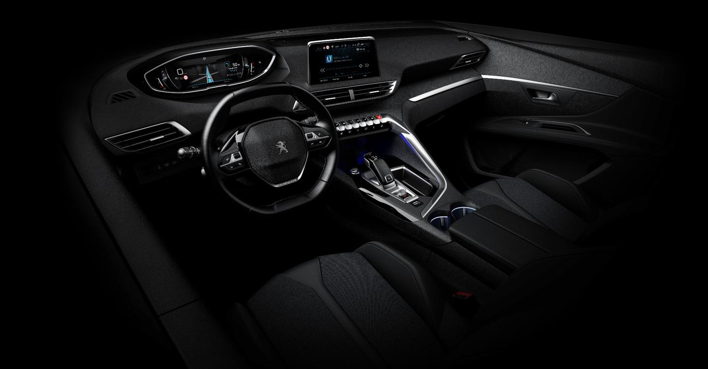 Peugeot shows the future of the i-Cockpit