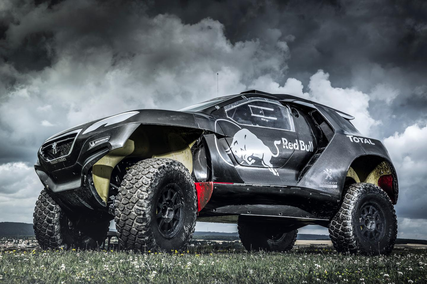 The 2008 DKR rides on double wishbone suspension (Photo: Red Bull Content Pool)