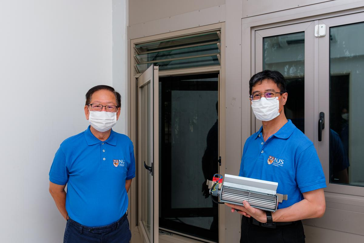 Dr. Lee Siew Eang (left) and Dr. Eddie Lau Siu-Kit with the