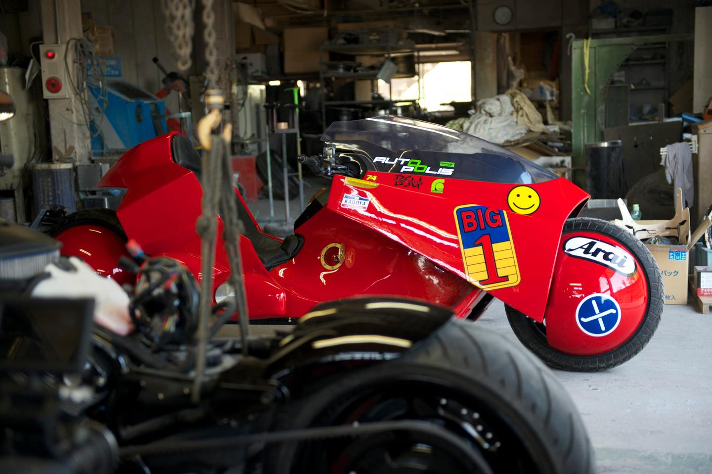 Recently the bike set out on a tour of Japan, starting at Tejima's own Showa Studio auto shop in Fukuoka
