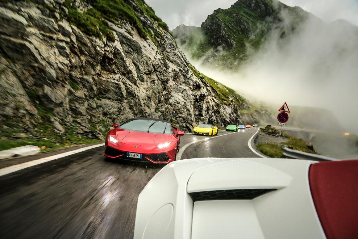 Lamborghini letssix Huracans loose on the Transfagarasan