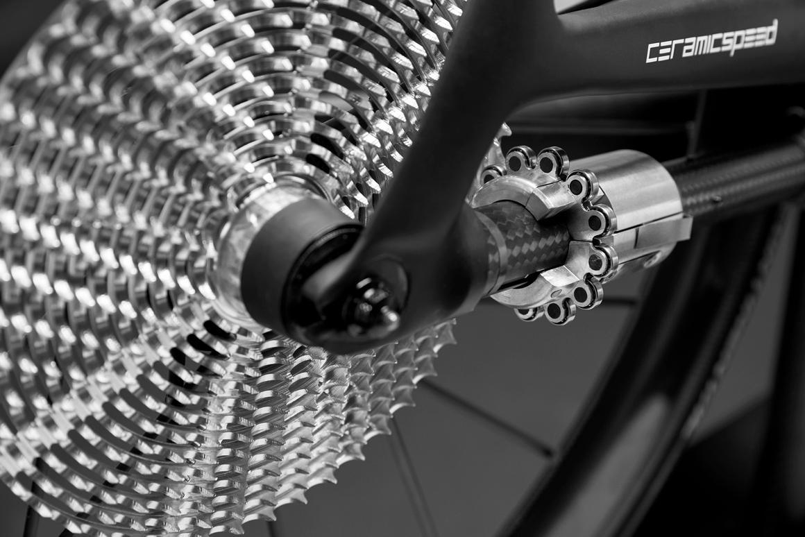 The CeramicSpeed DrivEn drivetrain utilizes a split-pinion master/slave system to shift gears
