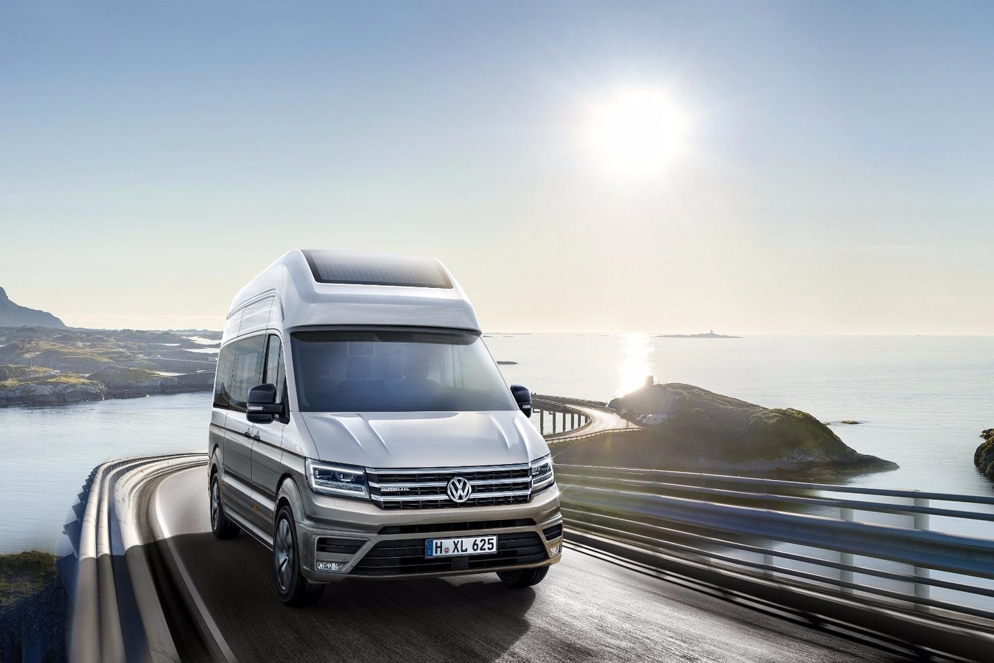 Volkswagen says the California XXLconcept is based on a medium-wheelbase Crafter, and the van's height of 2.9 m indicates the highest Crafter roof option