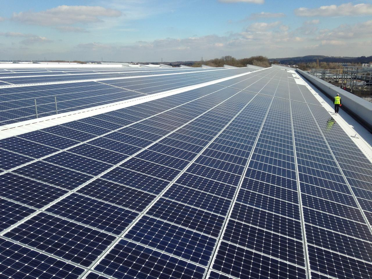 The installation on Jaguar Land Rover's new plant in South Staffordshire is the largest rooftop solar array in the UK