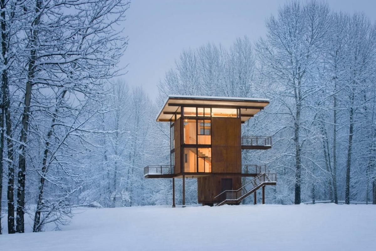 The Delta Shelter provides secure living with low impact and a small footprint (Photo: Olson Kundig Architects/Tim Bies)