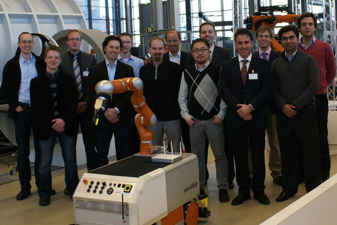 Members of the VALERI Project, with an early omniRob prototype