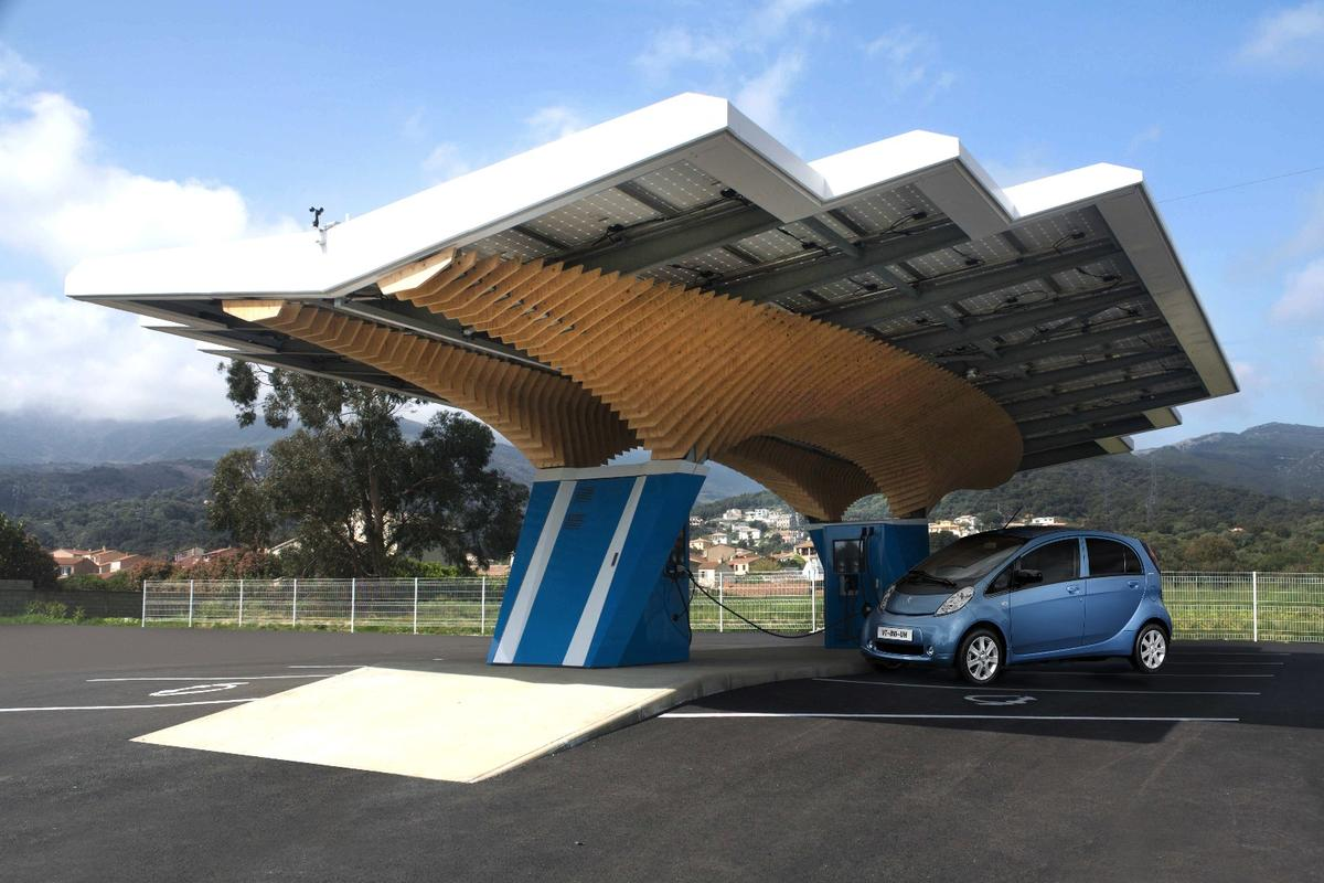 Peugeot's chargers are able to share power between neighboring stations that need more juice