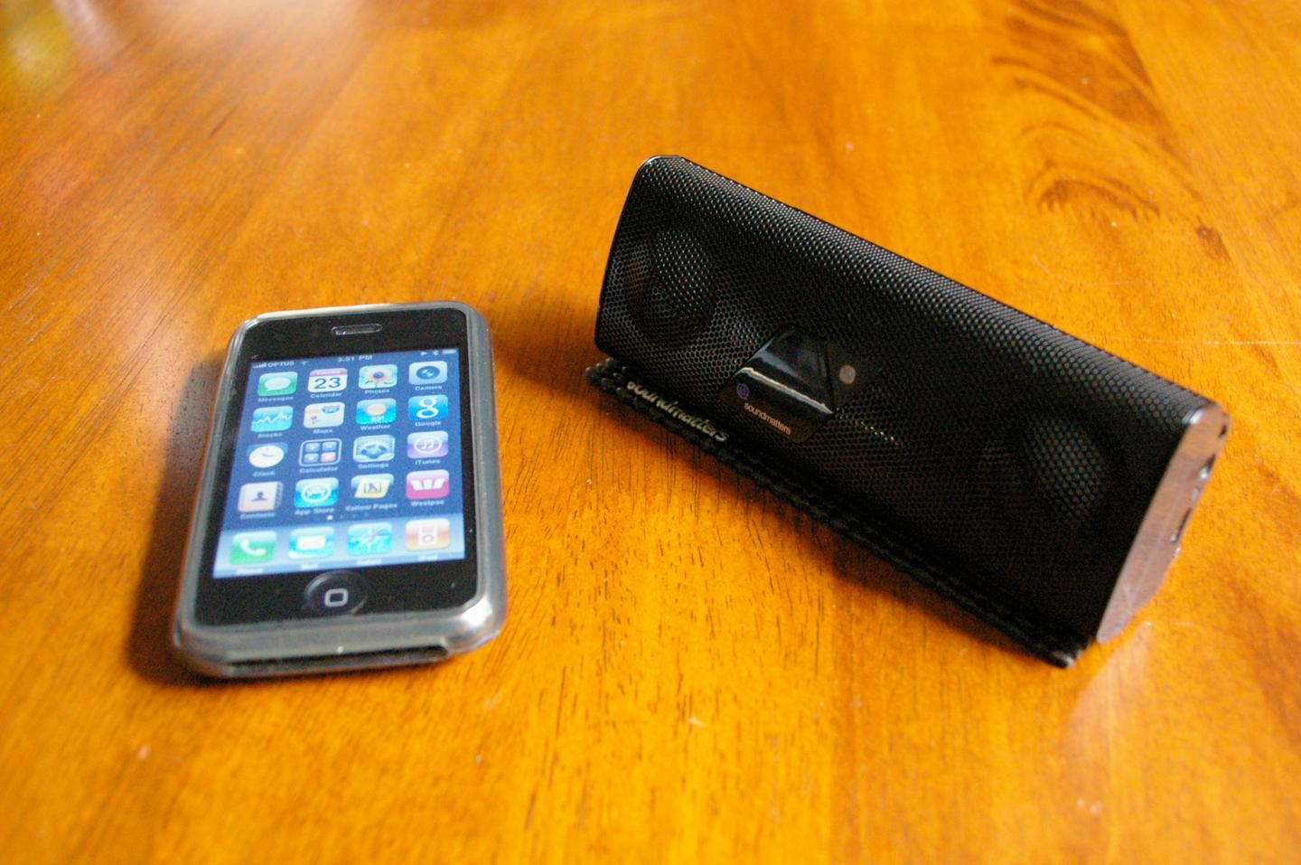 The foxL v2 - great wireless sound for your iPhone, iPod or other devices