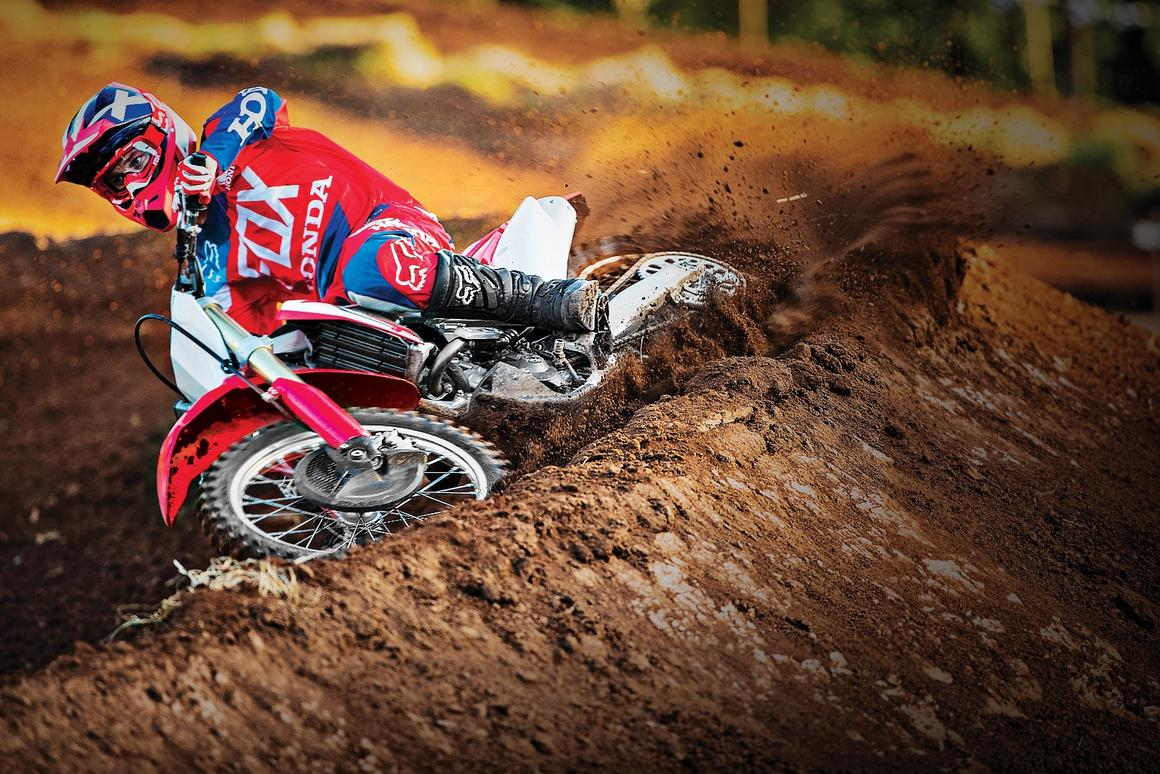 Honda unveils new high-revving CRF250R motocross racer