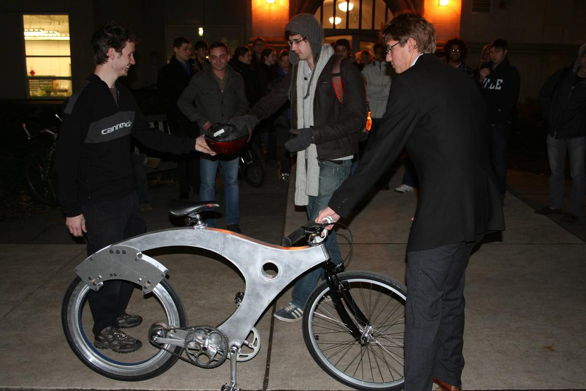 The spokeless bicycle was the brainchild of nine Yale seniors from an engineering class