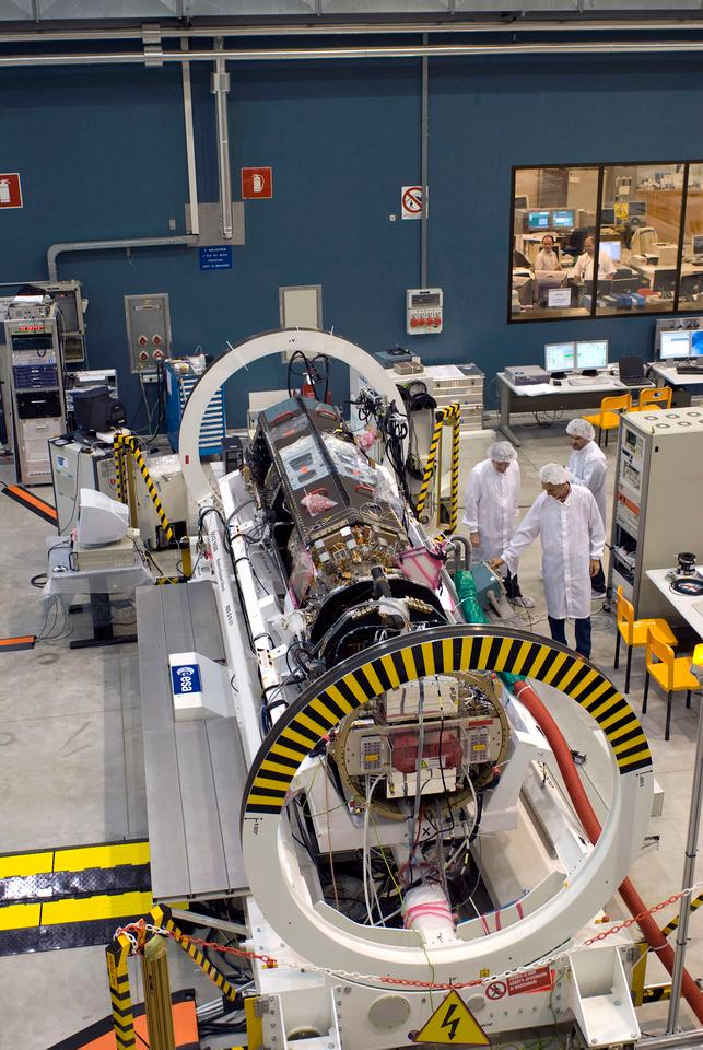 GOCE being assembled (Image: ESA - S. Corvaja)