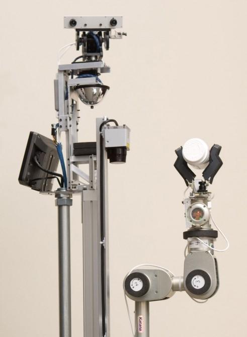 El-E autonomously retrieves items selected with a laser pointerPhoto: Georgia Tech