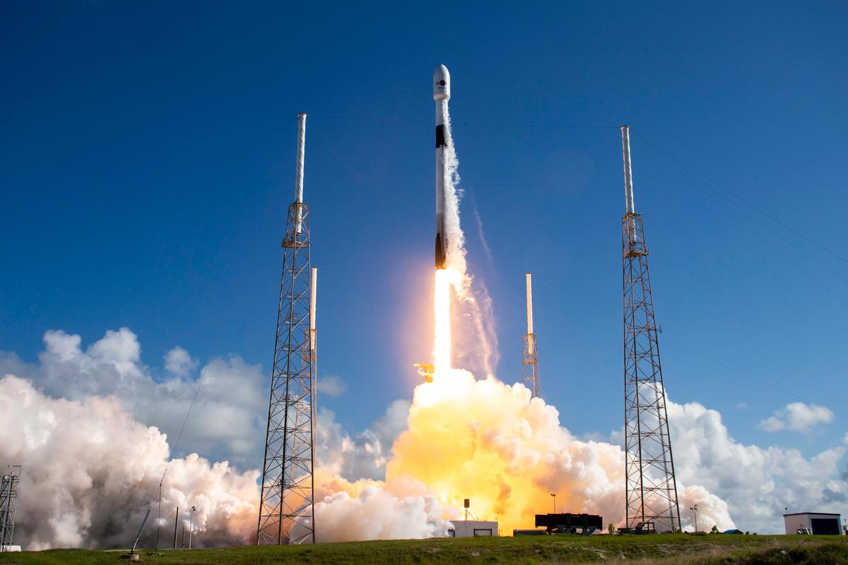 SpaceX's Falcon 9 lifts off as part of an earlier mission