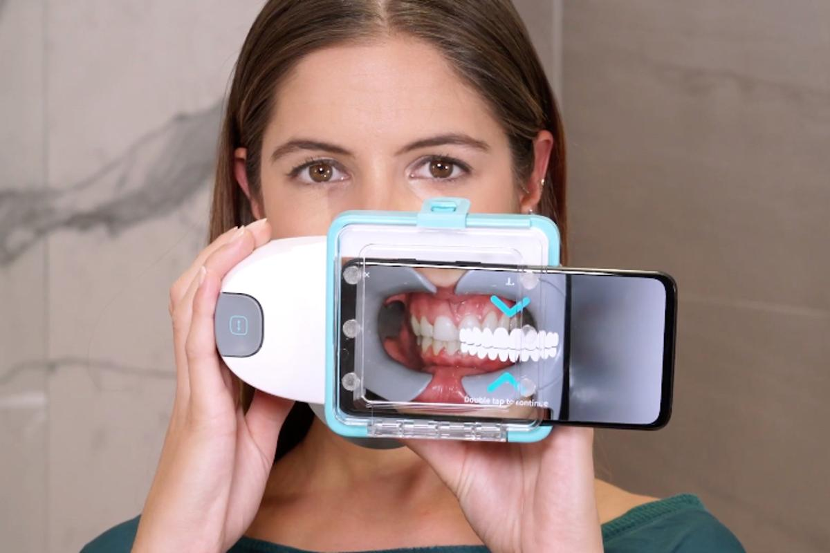 The Dental Monitoring system in use